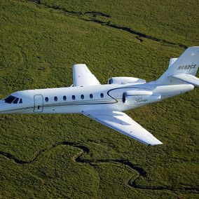 Private jet Cessna Citation Sovereign in flight